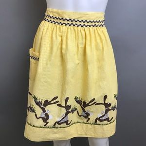 Vintage Apron 40s 50s Rabbit Hare Gingham Yellow